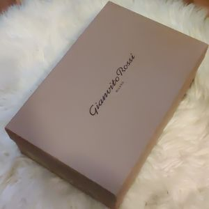 Gianvito Rossi shoe box